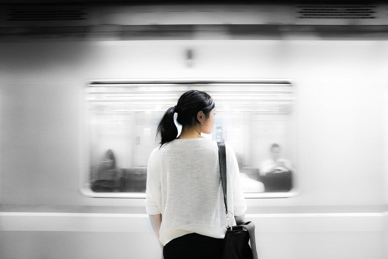 train station, woman, train-863337.jpg
