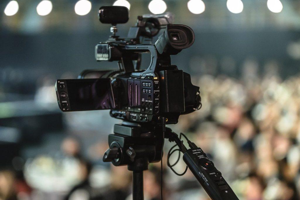 lens, equipment, movie-3143893.jpg